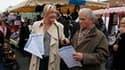 Marine Le Pen sur le marché d'Hénin-Beaumont. Déterminée à faire du Nord-Pas-de-Calais un tremplin de la reconquête du FN, Marine Le Pen vise dimanche la seconde place de la triangulaire l'opposant au président socialiste sortant Daniel Percheron et à l'U