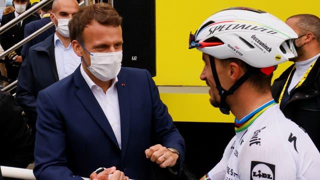 Emmanuel Macron et Julian Alaphilippe