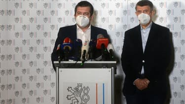 Le Premier ministre tchèque Andrej Babis (à droite) et le ministre des Affaires étrangères Jan Hamacek le 17 avril 2021