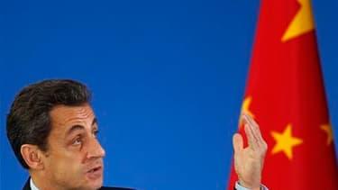 Nicolas Sarkozy, en visite en Chine, a défendu mercredi la nécessité de discuter avec la Chine de tous les sujets, y compris ceux qui sont source de désaccord, et indiqué qu'il comptait sur Pékin pour faire avancer les priorités de la présidence française
