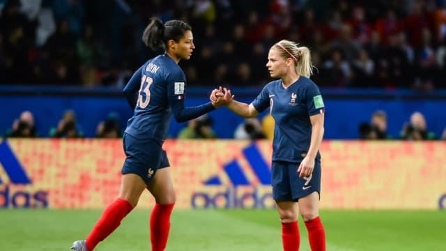 Valérie Gauvin et Eugénie Le Sommer, lors de France-Corée du Sud au Mondial féminin le 7 juin 2019