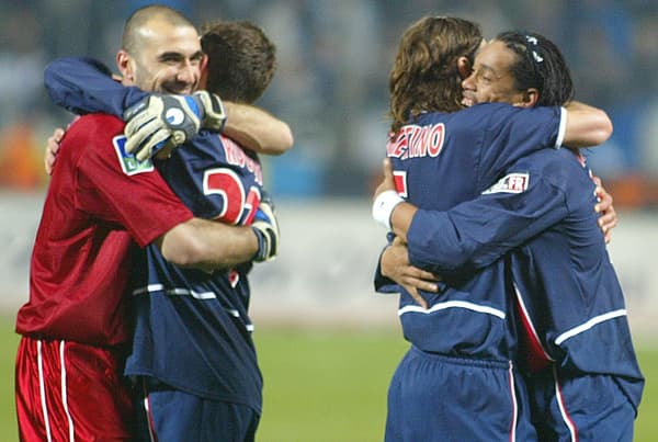 Alonzo, Christobal, Pochettino et Ronaldinho en 2003