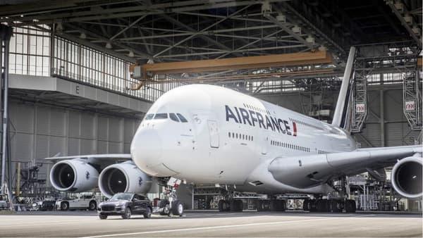 Cet Airbus pèse 100 fois plus que le SUV Porsche.
