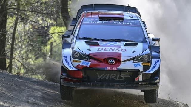 La Toyota Yaris, pilotée par le Français Thierry Ogier, lors du Rallye de l'Acropole, le 10 septembre 2021 à Agioi Theodoroi