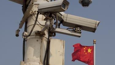 """Les solutions de SenseTime sont utilisées à des fins sécuritaires, pour l'identification de """"suspects"""" ou le contrôle de la circulation à partir des flux d'images de caméras de surveillance."""