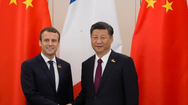 Emmanuel Macron et son homologue chinois Xi Jinping, le 8 juillet 2017, lors du sommet du G20 à Hambourg, en Allemagne.