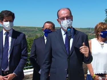 En déplacement à Sancerre (Cher) ce mercredi, Jean Castex a annoncé un renforcement des aides financières pour la filière viticole, durement touchée par les conséquences de la pandémie. Des professionnels qui attendaient avec impatience un geste à l'approche du début des vendanges.