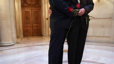 Les accords bilatéraux contredisent la loi sur le mariage pour tous.