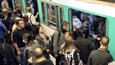 Un compagnon de voyage permet d'oublier le stress et la cohue du métro.