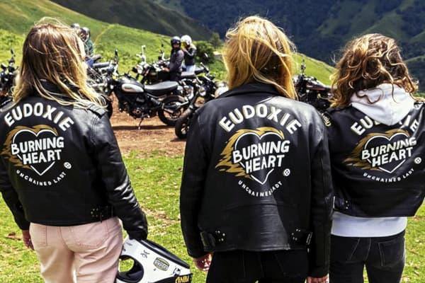 Eudoxie Unchained Lady, des cuirs noirs pour bikeuses