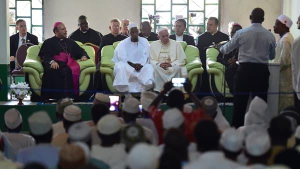 Le pape François dans la grande mosquée de Bangui, le 30 novembre 2015.