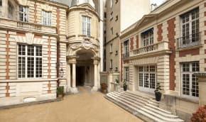 Pour un hôtel particulier de 3.400 mètres carré place des Etats-Unis, il faut compter plus de 50 millions d'euros.