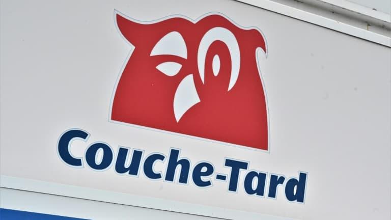 """Couche-Tard/Carrefour: le gouvernement canadien """"déçu"""" mais """"encouragé"""""""
