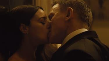 """Monica Bellucci et Daniel Craig dans le prochain James Bond, """"007 Spectre""""."""