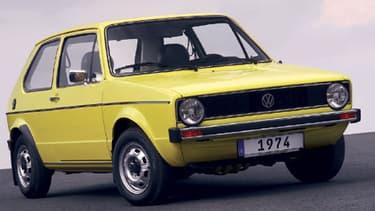 """La Golf I est sortie en 1974, et jusqu'en 1983, 6,72 millions d'exemplaires ont été vendus. """"La dernière année où le budget de l'Etat français a été à l'équilibre !"""" s'amuse Jacques Rivoal. Six générations de Golf se sont succédé, jusqu'à la version actue"""