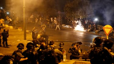 Les violences ont éclaté il y a quelques jours avec l'annonce de nouvelles mesures sécuritaires israéliennes autour de l'esplanade des Mosquées.