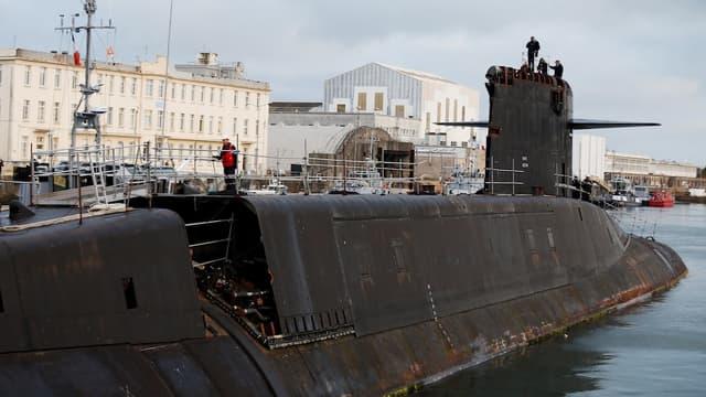 Le Tonnant est arrivé à Cherbourg pour être dépollué et déconstruit. Il a été en service 18 ans, de 1980 à 1999.
