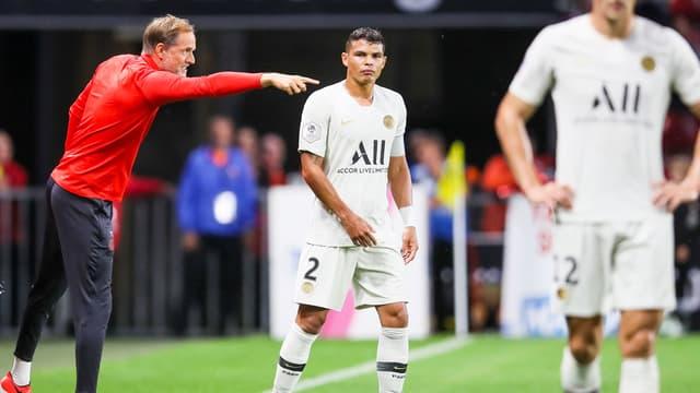 Thiago Silva à côté de Thomas Tuchel lors de Rennes-PSG, le 18 août 2019