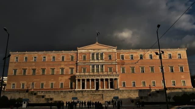 La Grèce reste plombée par une dette de 320 milliards d'euros (photo d'illustration: le parlement grec)