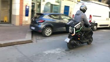 Les livreurs en scooter font grincer des dents