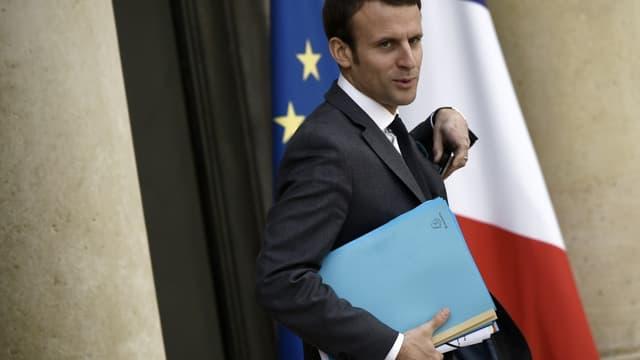 """Emmanuel Macron a appelé """"à ne pas faire la chasse au diesel"""""""