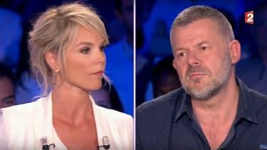 """Vanessa Burgraff et Eric Naulleau sur le plateau de l'émission """"On n'est pas couché"""", le 15 avril 2017"""