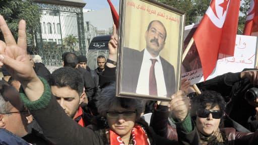 La veuve de l'opposant Chokri Belaïd, Besma Khalfaoui, lundi 11 février, à Tunis