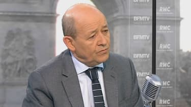 """""""Nous utiliserons tous les moyens pour les libérer"""", a indiqué Jean-Yves Le Drian au sujet des otages français au Sahel, ce mardi."""
