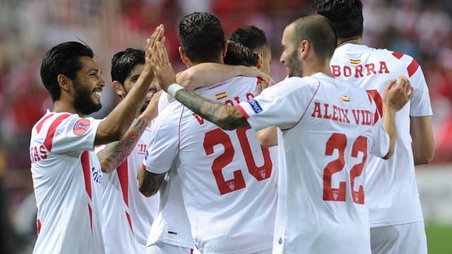 Ligue Europa : la joie de Trémoulinas et des joueurs du FC Séville