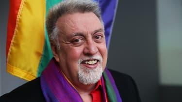 Gilbert Baker a créé le drapeau arc-en-ciel, devenu symbole des homosexuels