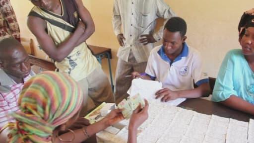 La distribution des cartes électorales a été compliquée.