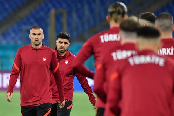 Yilmaz à l'entraînement avec la Turquie