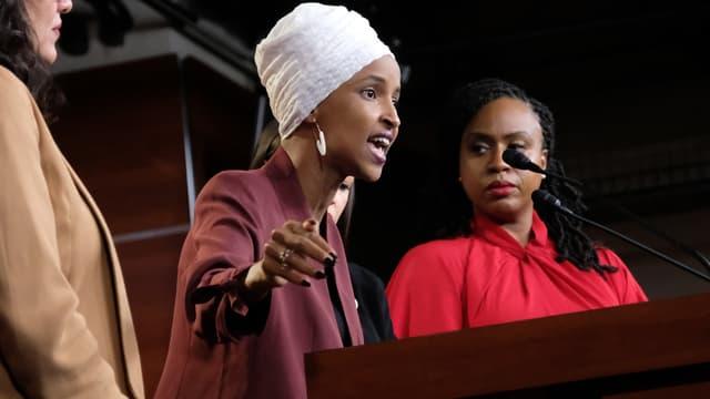 Ilhan Omar lors de la conférence de presse commune des quatre élues démocrates attaquées par Donald Trump, lundi 15 juillet
