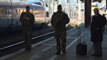 Des militaires de l'opération Sentinelle dans une gare (photo d'illustration).