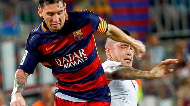 Lionel Messi face à Radja Nainggolan - AFP
