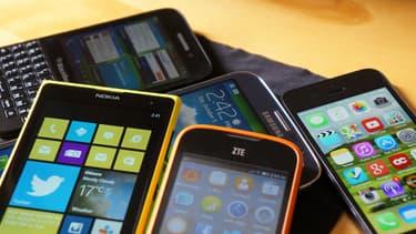 Les smartphones prennent de plus en plus de place dans la vie des Français.