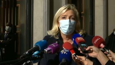 Marine Le Pen à sa sortie du ministère de la Santé ce mardi.