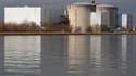 La centrale nucléaire de Fessenheim, près de Colmar. Les ministres de l'Ecologie Nathalie Kosciusko-Morizet et de l'Industrie Eric Besson estiment que le débat sur le nucléaire sera probablement nécessaire en France au vu de l'onde de choc provoquée par l