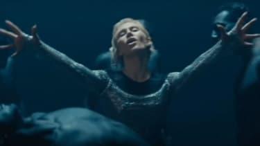 """Elena Tsagrinou dans le clip de """"El Diablo"""""""