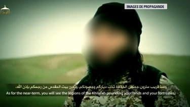Cet homme, s'exprimant en français avec un accent toulousain dans la dernière vidéo diffusée par Daesh, pourrait être le demi-frère de Mohammed Merah, selon des spécialistes.