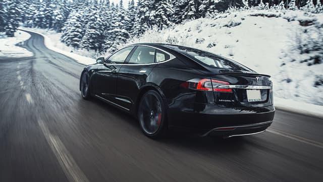 Le constructeur américain spécialiste des véhicules électriques a enregistré une perte de 620 millions de dollars au cours du dernier trimestre.  (image d'illustration)