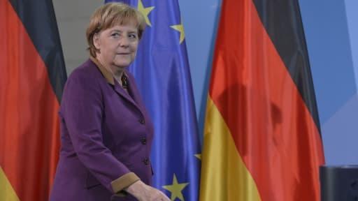 Pour la première fois, la chancelière allemande Angela Merkel n'a pas exclu un prochain effacement de la dette grecque, dimanche 2 décembre.