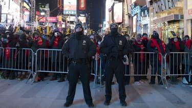 La police sécurise le Nouvel An à Times Square, 31 décembre 2017
