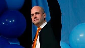 Le Premier ministre suédois Fredrik Reinfeldt est devenu dimanche le premier leader de centre-droit à remporter deux élections législatives successives mais se voit privé de la majorité absolue en raison du bon score de l'extrême-droite. /Photo prise le 1