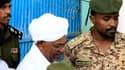 L'ancien président soudanais Omar el-Béchir lors de sa première apparition publique depuis sa destitution, le 16 juin 2019 à Khartoum.