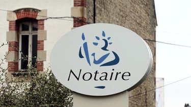 En ouvrant le capital des études notariales, Bercy veut faciliter l'installation des jeunes notaires.