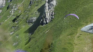 Un berger de 100 m sur 100 m, allongé sur l'herbe, la pipe au bec, les yeux mi-clos.
