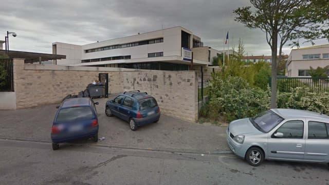 Les abords de l'hôtel de police de Marseille Nord.