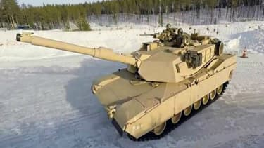 Des images spectaculaires de soldats qui se défient au drift sur de la neige au volant de tanks. Sans doute l'entraînement le plus drôles qu'ils aient eu à faire.