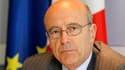 Le ministre des Affaires étrangères Alain Juppé a déclaré que la France souhaitait que l'Union européenne impose des sanctions au président syrien Bachar al Assad en réponse à la répression des manifestants qui réclament son départ. /Photo prise le 3 mai